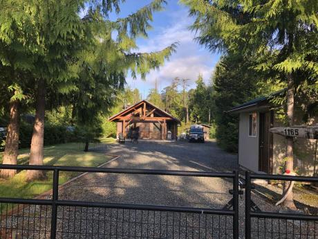 Cottage For Sale in Salmon Beach, BC - 2 bdrm, 1 bath (1165 7th Avenue)