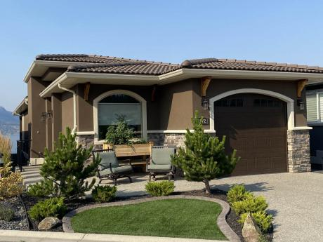 House / Waterfront Property For Sale in West Kelowna, BC - 3 bdrm, 2.5 bath (1572 Marina Way)