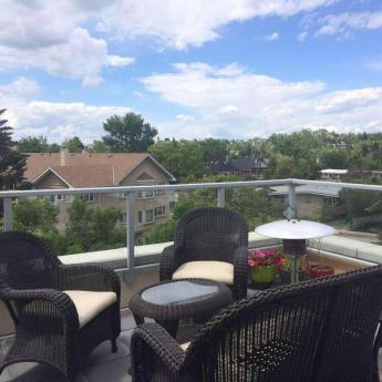 Condo / Apartment For Sale in Calgary, AB - 1+1 bdrm, 1.5 bath (414, 1110 3 Avenue NW)