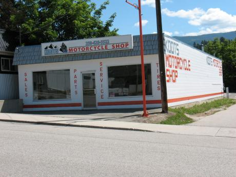Land with Building(s) / Business with Property For Sale in Creston, BC - 0 bdrm, 1 bath (130 15 Ave N)