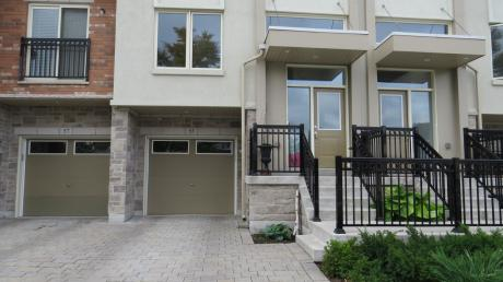 Townhouse For Sale in North York, ON - 3+1 bdrm, 3.5 bath (55 Antibes Drive)