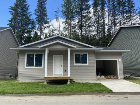 House / Detached House For Sale in Terrace, BC - 2 bdrm, 2 bath (14, 4921 Halliwell)