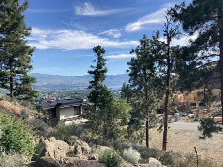 Vacant Land For Sale in Kelowna, British Columbia - 0 bdrm, 0 bath (721 Pinehaven Court)