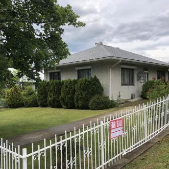 House For Sale in Creston, BC - 2+2 bdrm, 2 bath (407 - 10th Ave. North)