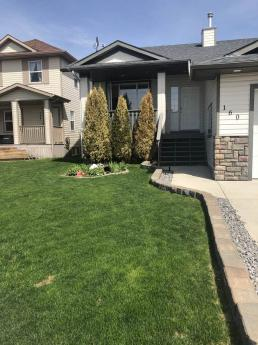 House For Sale in Strathmore, AB - 3+1 bdrm, 3 bath (160 Camden Pl)