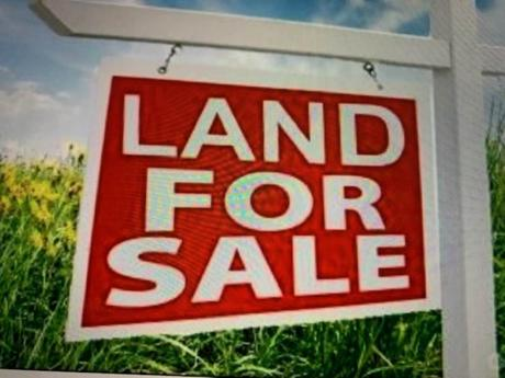 Waterfront Property / Vacant Land For Sale in Calgary, AB - 0 bdrm, 0 bath (716 Rideau Rd SW)