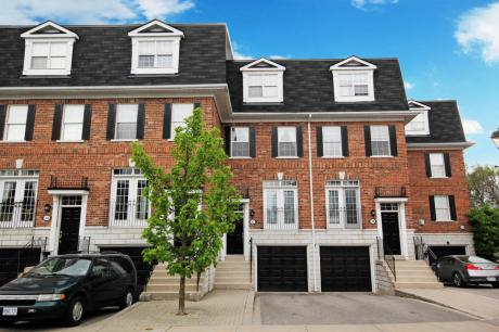 Townhouse For Rent in Richmond Hill, ON - 3 bdrm, 3 bath (12, 6 Leonard Street)