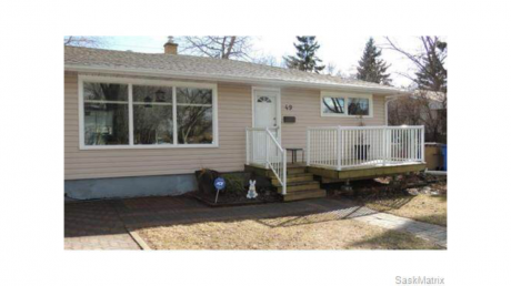 House For Sale in Regina, SK - 3+1 bdrm, 2 bath (49 Bobolink Bay)