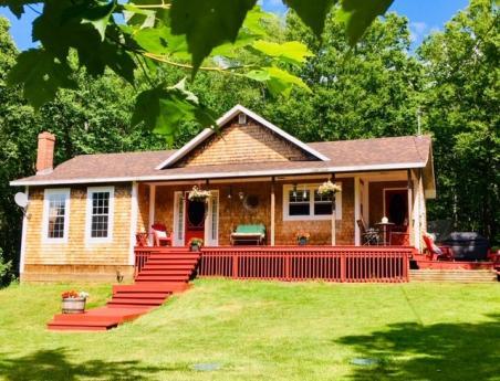 House / Acreage For Sale in Stanchel, PE - 3+1 bdrm, 2.5 bath (3857 Route #225)