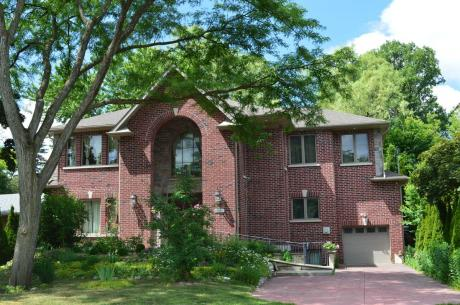 House For Sale in Toronto, ON - 7+2 bdrm, 6 bath (98 Burbank Drive)