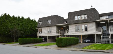 Townhouse For Sale in Chilliwack, BC - 3 bdrm, 2 bath (4, 45720 Victoria Ave)