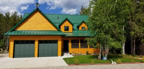 Recreational Property / Cottage / House For Sale in Tobin Lake, SK - 3+1 bdrm, 2.1 bath (412 Spruce Place)