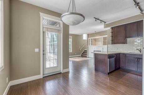 Condo / Apartment For Sale in Calgary, AB - 2 bdrm, 2.5 bath (301, 3704 - 15a Street SW)