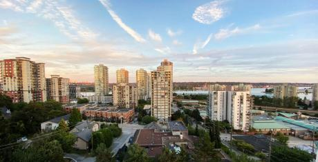 Condo / Apartment For Sale in New Westminster, BC - 2+1 bdrm, 2 bath (902, 121 Tenth St)