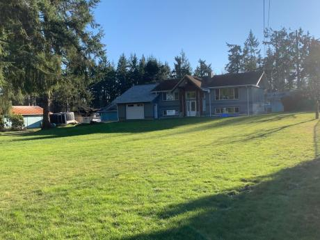 Revenue Property / Recreational Property For Sale in Campbell River, BC - 3 bdrm, 2 bath (4078 South Island Hwy)