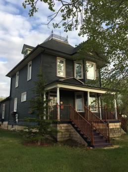 House / Home-Based Business Potential For Sale in Rouleau, SK - 4 bdrm, 2 bath (216 Ansley)