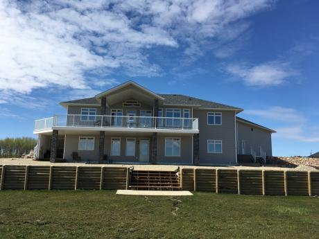 Acreage For Sale in County Of Grande Prairie, AB - 3+2 bdrm, 3 bath (6, 714042 Rge Rd 72)