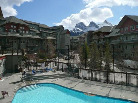 Condo / Recreational Property / Revenue Property For Sale in Canmore, AB - 2 bdrm, 2 bath (304, 101 Montane Road)
