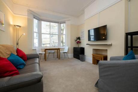 Apartment / Condo For Rent in Toronto, ON - 1 bdrm, 1 bath (0203, 50 Prince Arthur Avenue)