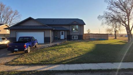 House For Sale in Kenaston, SK - 5 bdrm, 3 bath (62 Central Ave)