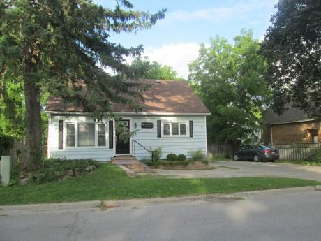 House / Home-Based Business Potential For Sale in Orillia, ON - 2 bdrm, 1 bath (6 Frederick St.)