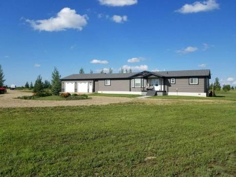 Acreage / Detached House / Home-Based Business Potential For Sale in Weyburn, SK - 3 bdrm, 2.5 bath (Lot C, SE 26-8-14 W2)