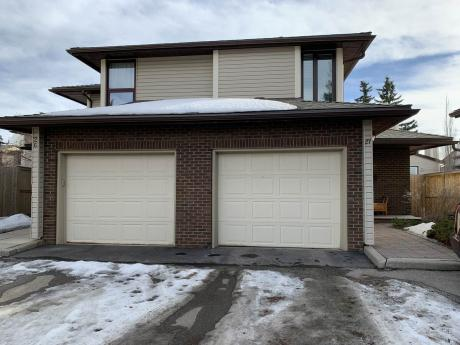Duplex / Condo For Sale in Calgary, AB - 2 bdrm, 1.5 bath (27, 76 Cedardale Crescent SW)