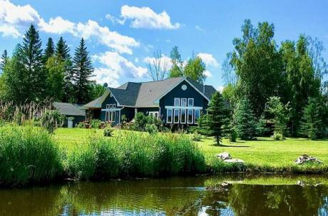 Waterfront Property / Acreage / Detached House / House / Recreational Property For Sale in Buck Lake, AB - 3 bdrm, 2 bath (116-465015rr63a)