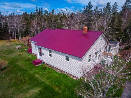 House / Waterfront Property For Sale in Sheet Harbour, NS - 3 bdrm, 1 bath (1623 Passage Road)