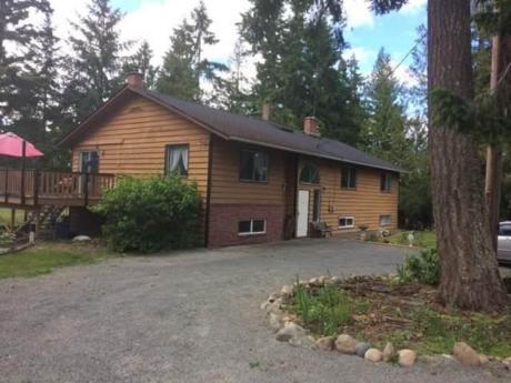Farm / Acreage For Sale in Qualicum Beach, BC - 4 bdrm, 2 bath (981 - 983 Pratt Rd.)