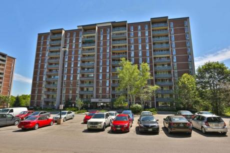 Condo / Apartment For Sale in Hamilton, ON - 3 bdrm, 2 bath (1207, 1966 Main St. West)