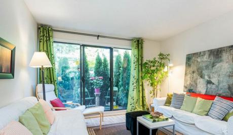 Condo / Apartment For Sale in White Rock, BC - 1 bdrm, 1 bath (102, 15020 North Bluff Rd)