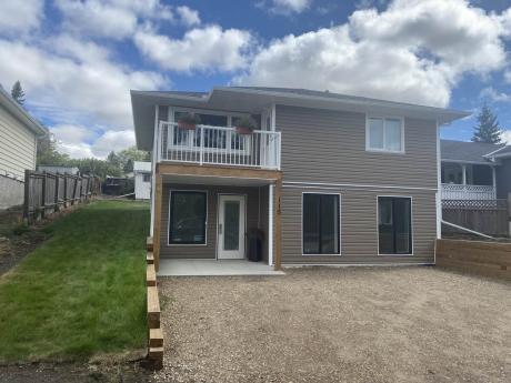 House For Sale in Linden, AB - 3 bdrm, 2 bath (115 1st Street SW)
