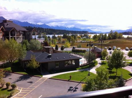 Condo / Apartment / Recreational Property / Waterfront Property For Sale in Invermere, BC - 2 bdrm, 2 bath (3418, 205-3rd Avenue)