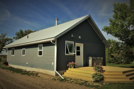 House / Land with Building(s) For Sale in Bladworth, SK - 3 bdrm, 1.5 bath (250 2nd Street)