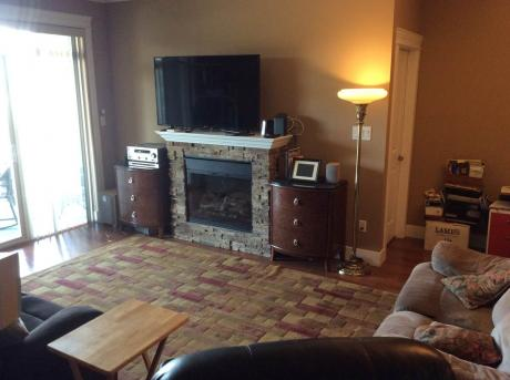 Condo / Apartment / House / Townhouse For Sale in Abbotsford, BC - 2+1 bdrm, 2 bath (404, 2068 Sandalwood Crescent)