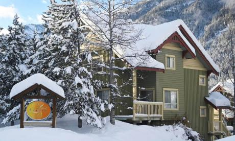 Townhouse / Recreational Property For Sale in Panorama, BC - 2 bdrm, 3 bath (3, 2025 Greywolf Drive)