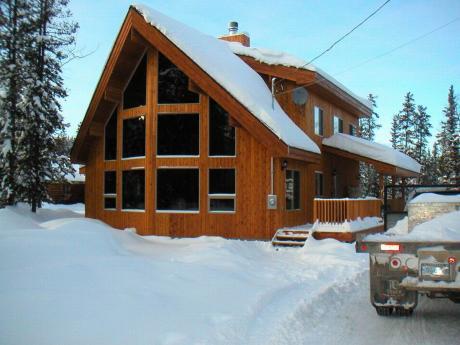 House / Acreage / Detached House For Sale in Dease Lake, BC - 4 bdrm, 2 bath (606 Boulder Street)