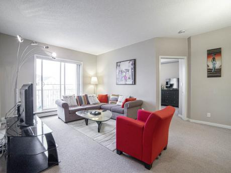 Condo For Sale in Calgary, AB - 2 bdrm, 2 bath (2417, 333 Taravista Drive NE)