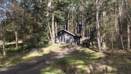Cottage For Sale on Pender Island, BC - 1 bdrm, 1 bath (3726, Privateers Rd.)