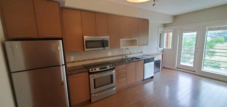 Condo / Apartment / Golf Course View / Recreational Property For Sale in Kamloops, BC - 1 bdrm, 1 bath (2408, 1030 Talasa Way)