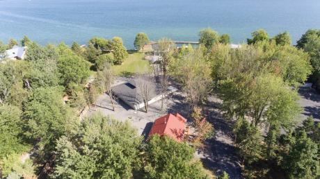 House / Detached House / Land with Building(s) / Waterfront Property For Sale in Bainsville, ON - 4+2 bdrm, 5 bath (22136 Old Highway 2)