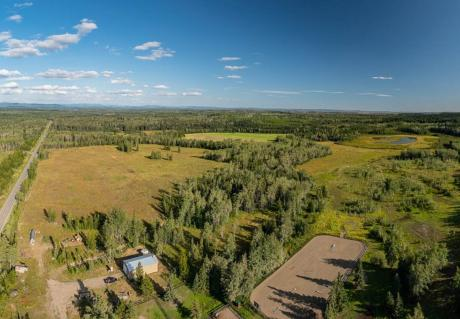 Ranch / Acreage / Farm / Home-Based Business Potential / Land with Building(s) For Sale in Lone Butte, BC - 4 bdrm, 2 bath (6678 Hwy 24)
