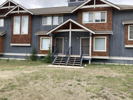 Townhouse / Recreational Property For Sale in Apex Mountain Resort, BC - 3 bdrm, 3 bath (16, 156 Clearview Road)