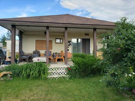House / Land with Building(s) For Sale in Merritt, BC - 3+1 bdrm, 1 bath (1434 Douglas St)