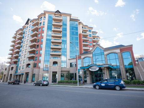 Condo For Sale in Edmonton, AB - 2 bdrm, 2 bath (710, 10142 111 Street)