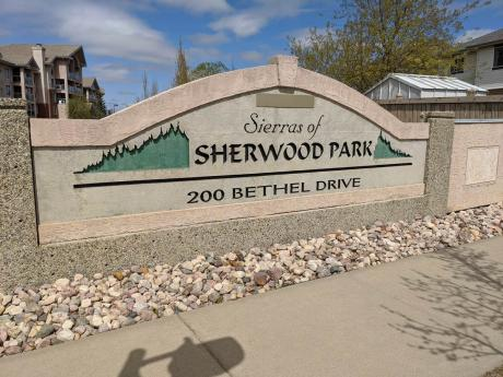 Condo / Apartment For Sale in Sherwood Park, AB - 1+1 bdrm, 2 bath (326, 200 Bethel Drive)