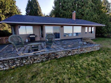Waterfront Property / Detached House / House / Revenue Property For Sale in Nanoose Bay, BC - 3 bdrm, 2 bath (3299 Blueback Drive)