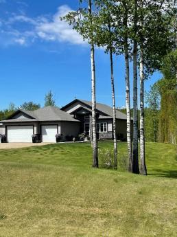 Acreage / House For Sale in Parkland County, AB - 2+2 bdrm, 3 bath (51, 53122 RR 14)