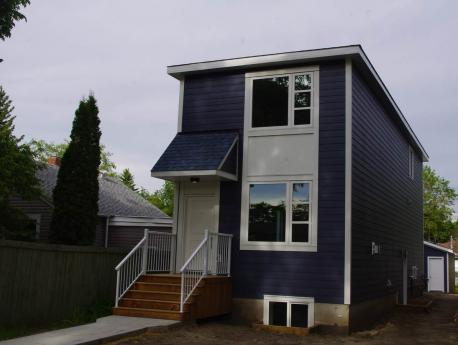 House For Sale in Edmonton, AB - 3+1 bdrm, 3.5 bath (12023 40 Street)